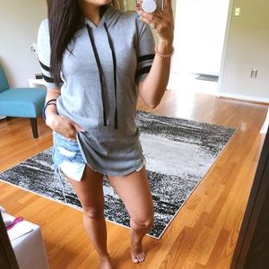 Tops - Gray hooded short sleeve top